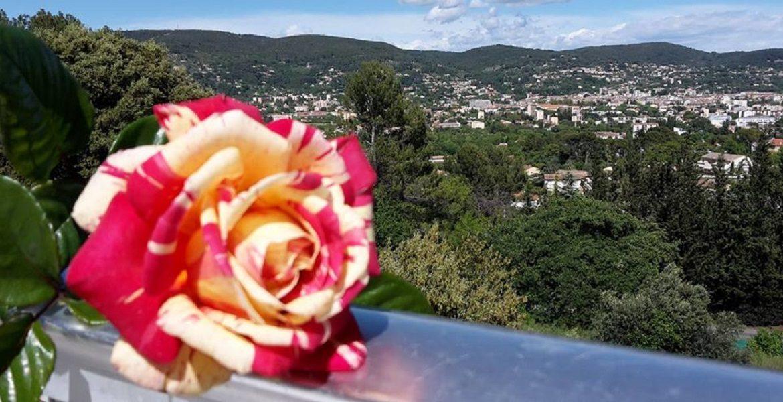 hotel draguignan var col ange vue panoramique rose