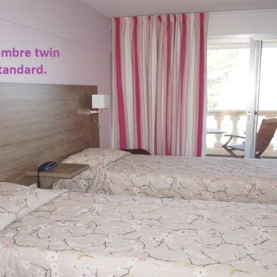 hôtel draguignan var 83 col de l'ange chambre familiale pas cher