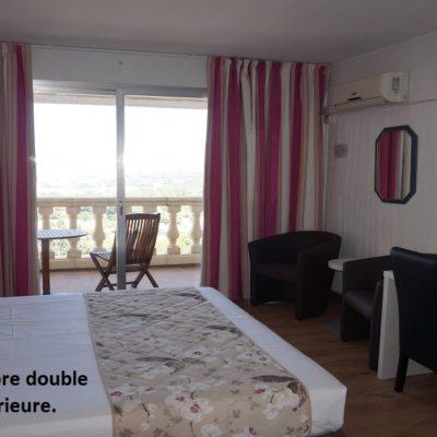hôtel-restaurant-draguignan-var-83-calme-charme-piscine-chambre-supérieure-pas-cher